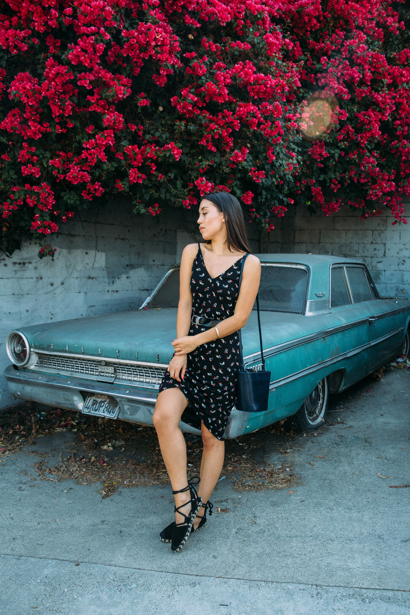 Emily Tong of LOVE OR MONEY blog wearing 90's style printed dress and espadrilles in LA